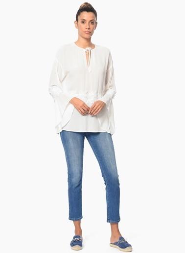 NetWork Yakası Bağcıklı İspanyol Kol Bluz Beyaz